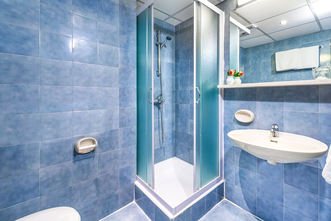 adriatic-hotel-dubrovnik-bathroom-shower.jpg