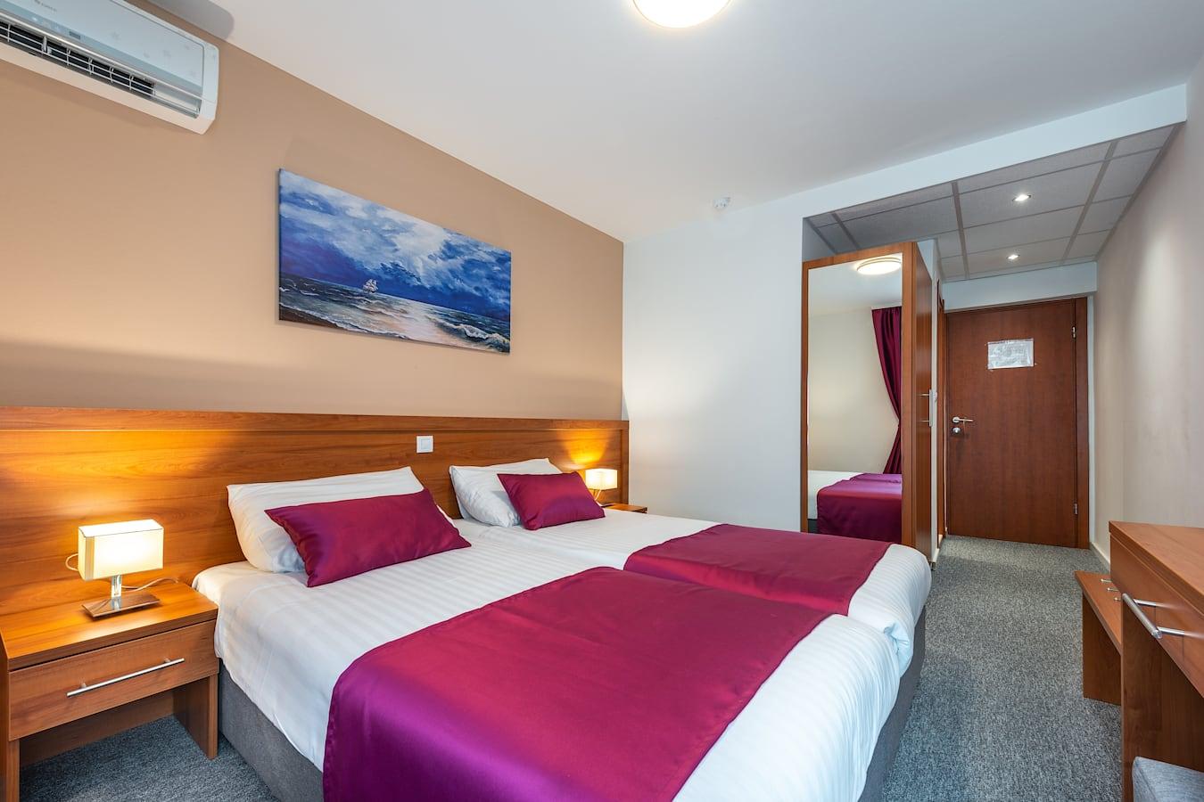 annex-komodor-hotel-double-room-entrance.jpg
