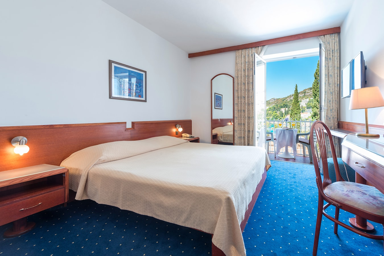 komodor-hotel-double-dubrovnik-room-balcony-seaview.jpg
