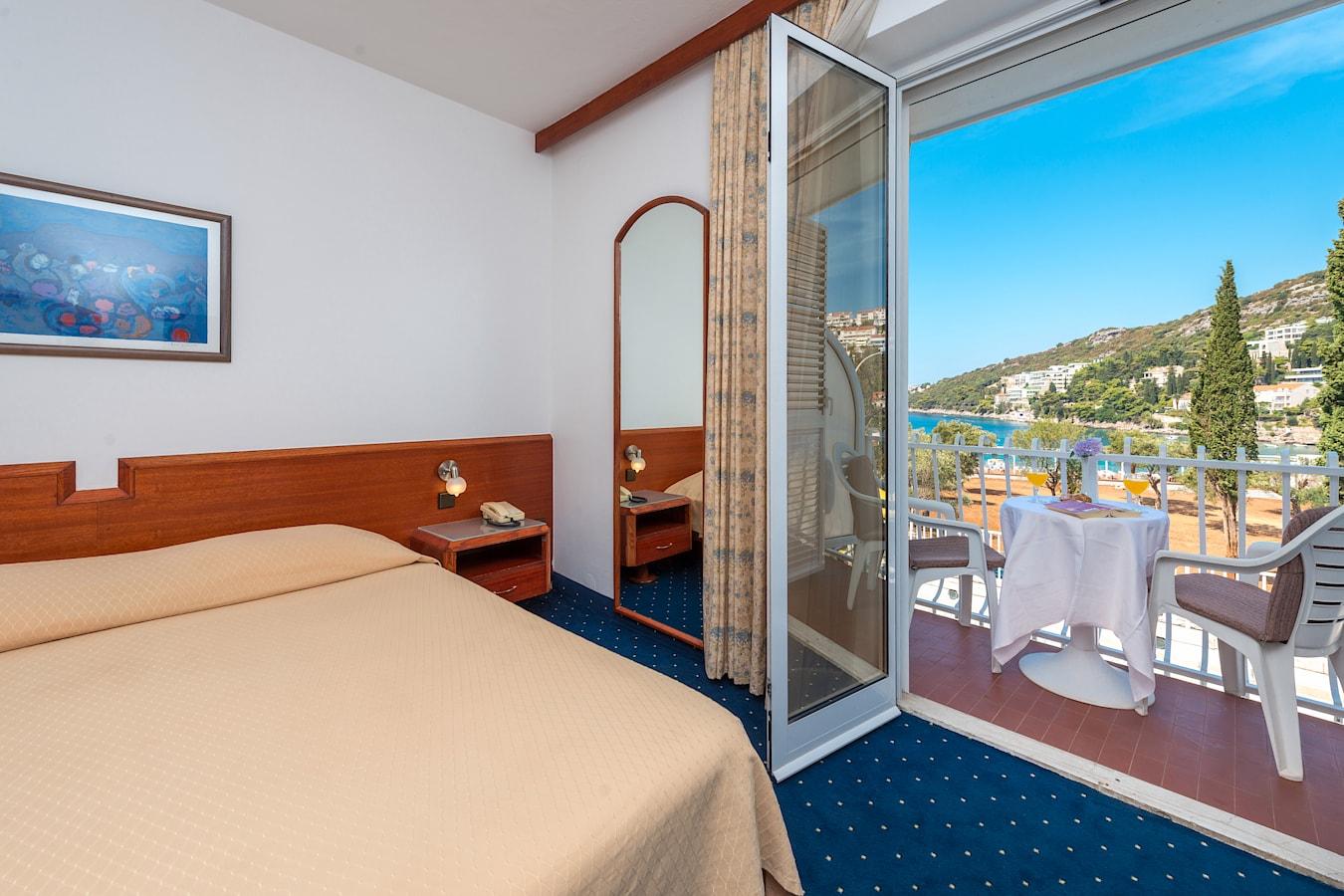 komodor-hotel-double-room-balcony-seaview-dubrovnik.jpg