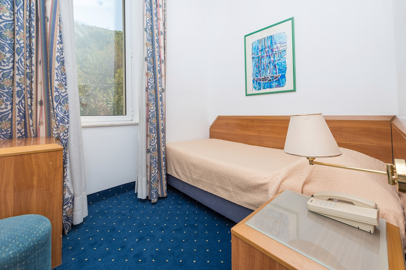 komodor-hotel-single-room-parkview.jpg