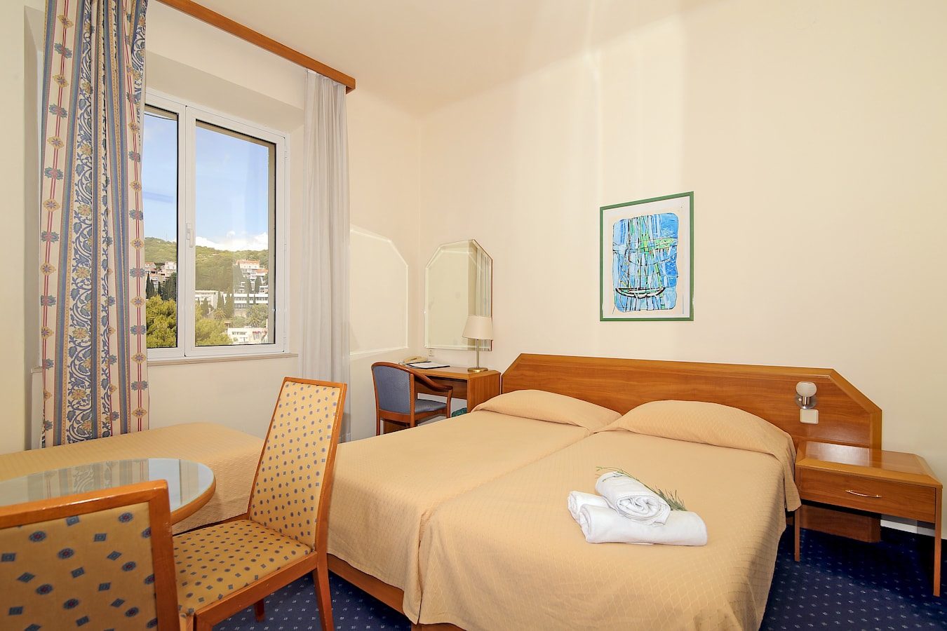 komodor-hotel-triple-room-seaview.jpg