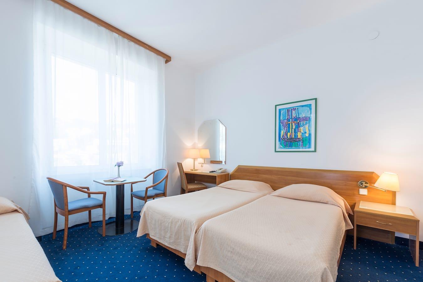 komodor-hotel-tripple-room.jpg