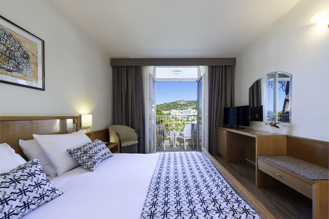 splendid-hotel-dubrovnik-double-room-sea-view-balcony.jpg