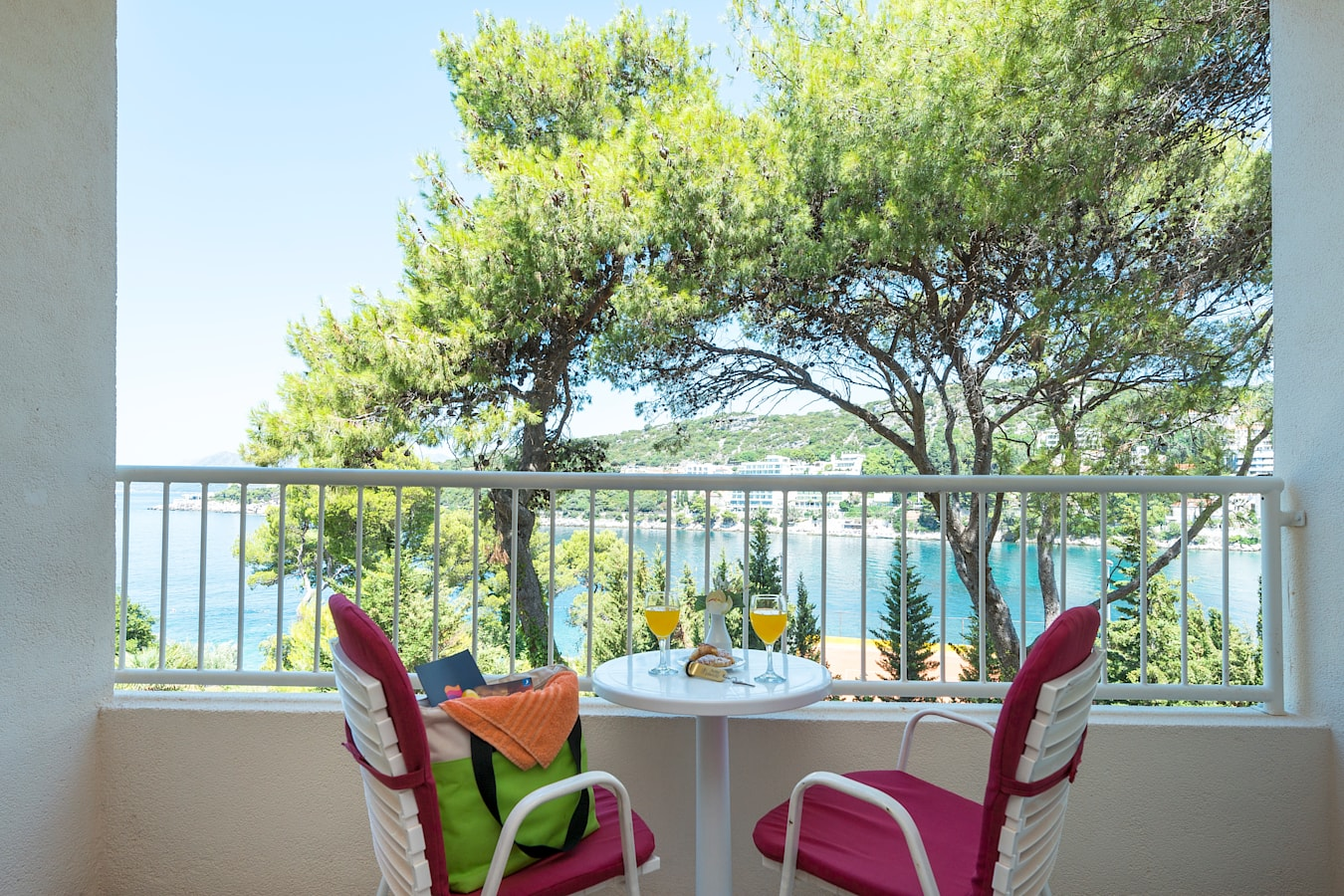 splendid-hotel-rooms-balcony-seaview.jpg