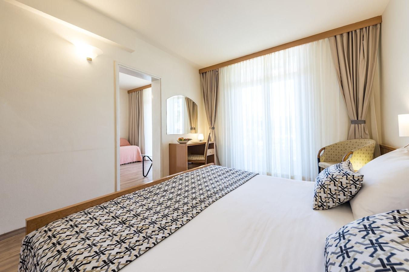 splendid-hotel-superior-room-dubrovnik.jpg