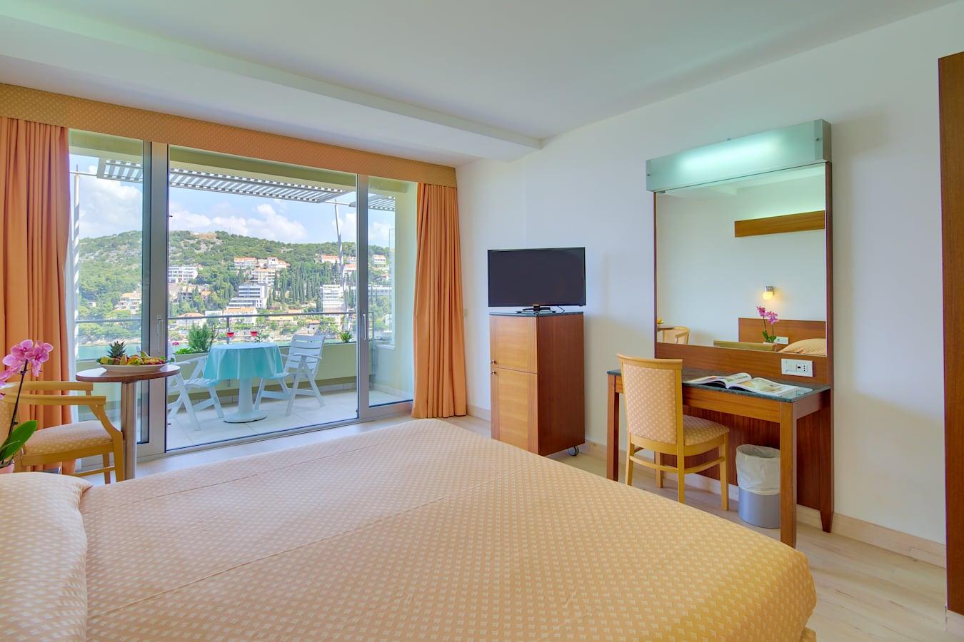 uvala-hotel-double-room-balcony-seaview.jpg