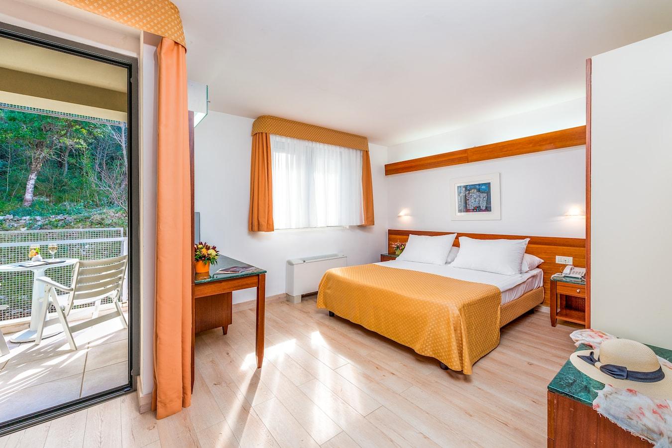 uvala-hotel-dubrovnik-double-room-balcony-park-side.jpg