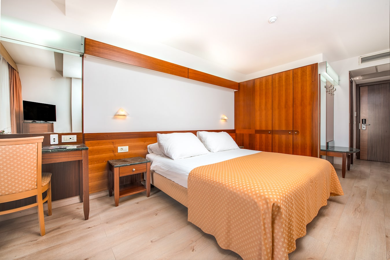 uvala-hotel-dubrovnik-double-room-bedroom.jpg