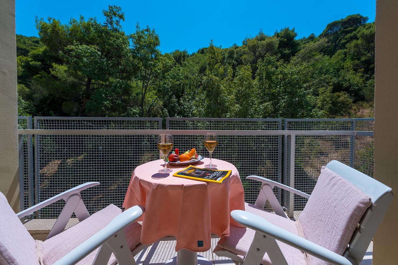 uvala-hotel-room-balcony-parkview.jpg