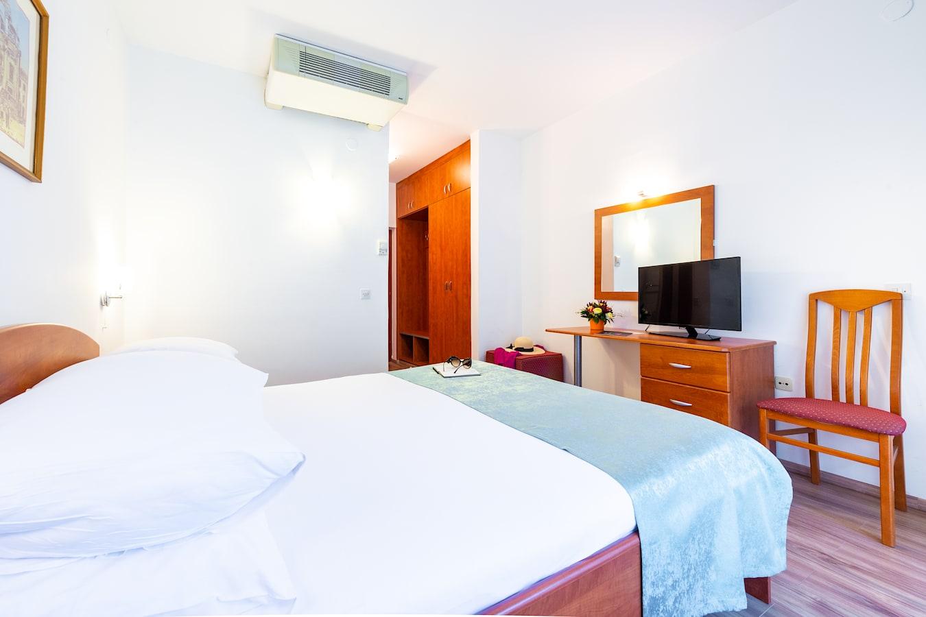 vis-hotel-double-room-room-plan-dubrovnik.jpg