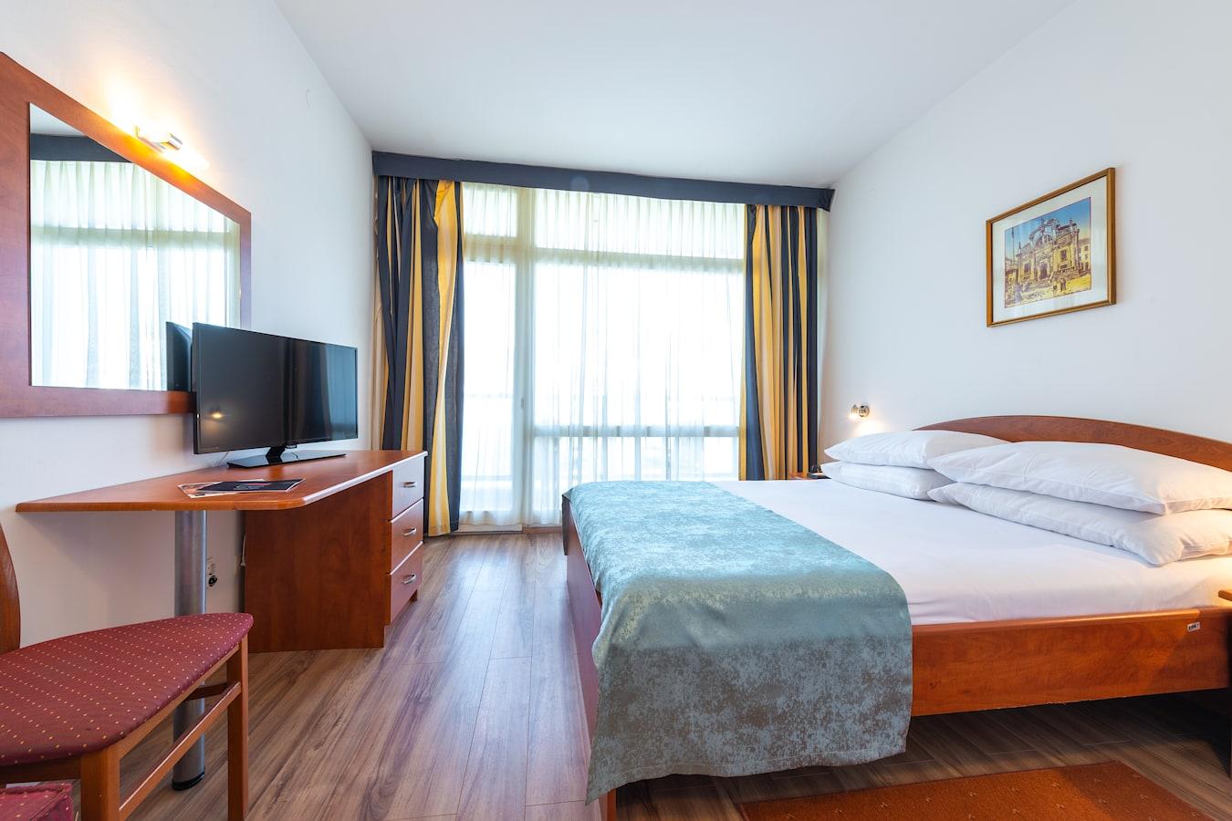 vis-hotel-dubrovnik-double-room-room-plan.jpg