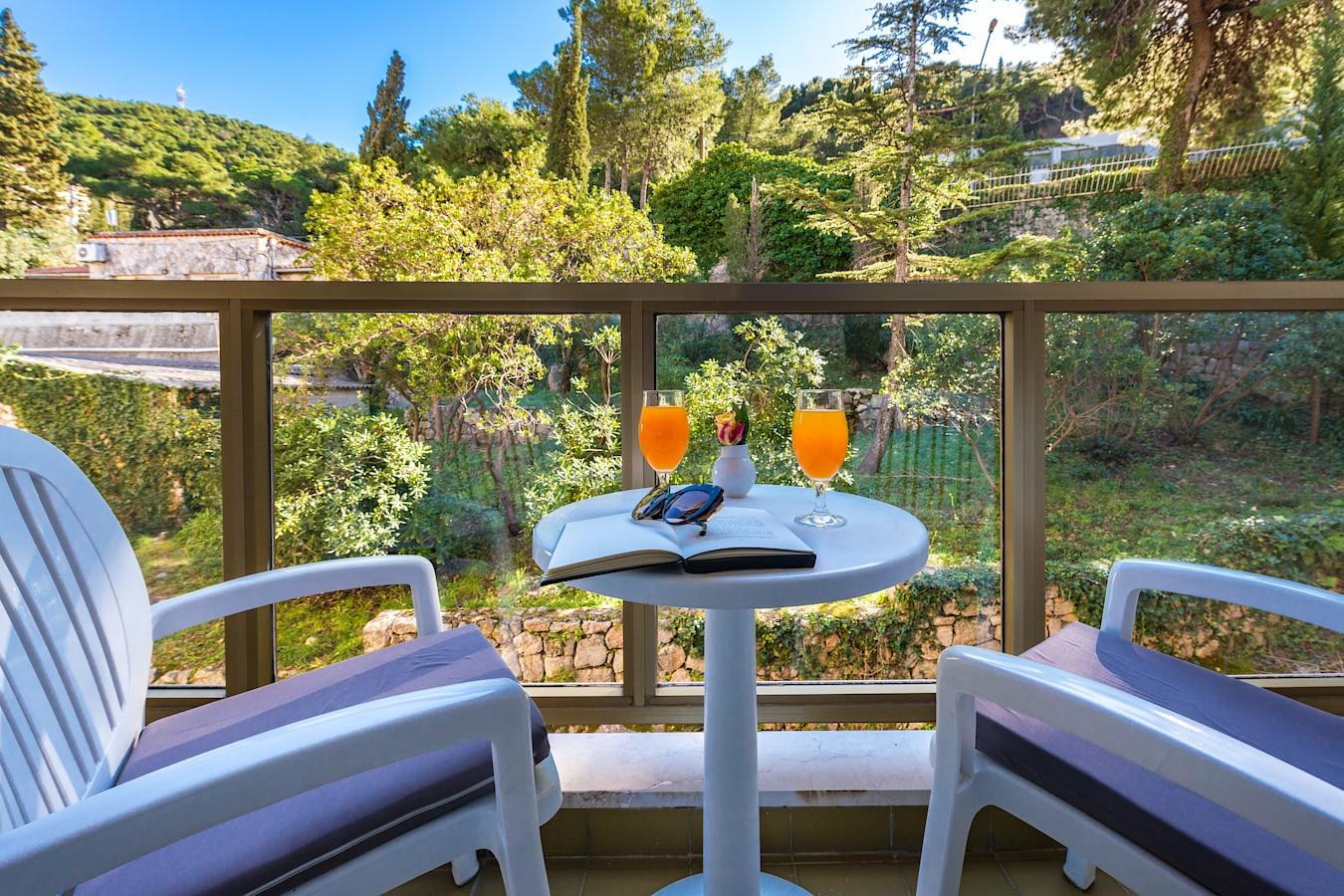 vis-hotel-dubrovnik-room-balcony-park-view.jpg
