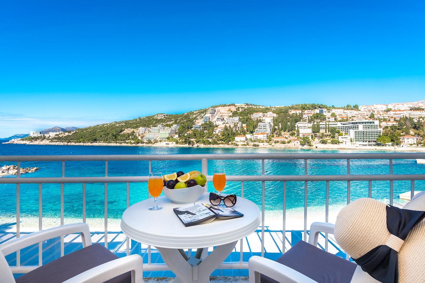 vis-hotel-dubrovnik-room-balcony-seaview.jpg