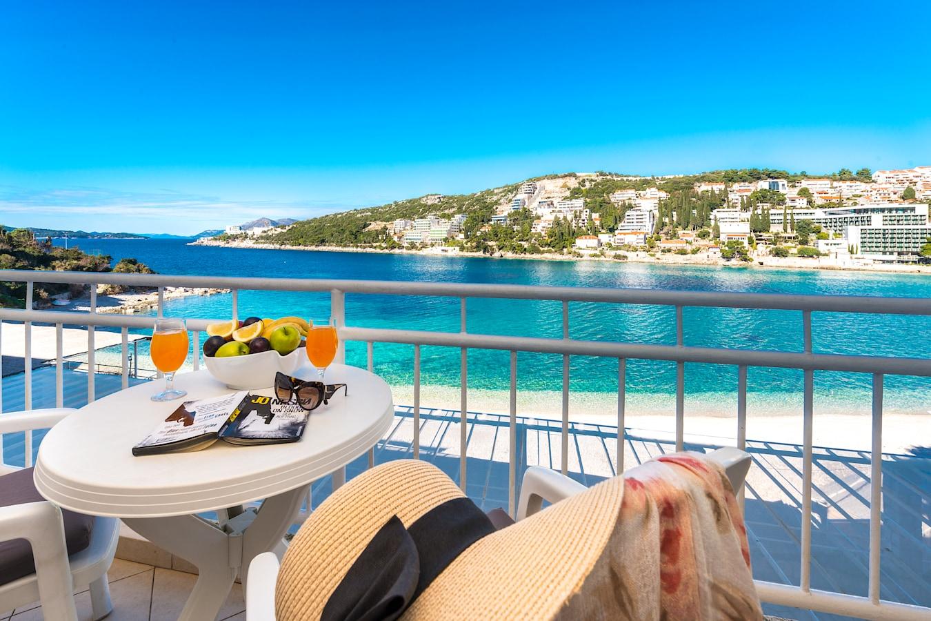 vis-hotel-dubrovnik-room-seaview-balcony.jpg